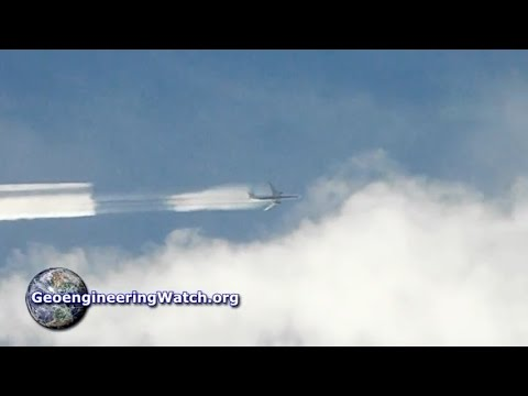 Climate Engineering Spray Dispersion Caught On Film ( Dane Wigington GeoengineeringWatch.org )