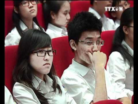 Học sinh trường THCS Kiêu Kỵ tham dự lễ Tuyên dương học sinh giỏi thủ đô 2012