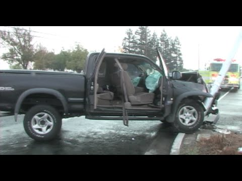 Pickup Truck Vs. Light Pole Crash In Modesto, California - News Footage