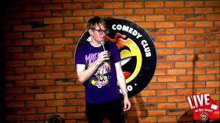 Thom Bee | LIVE at Hot Water Comedy Club