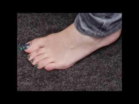 Osment feet emily Emily Osment