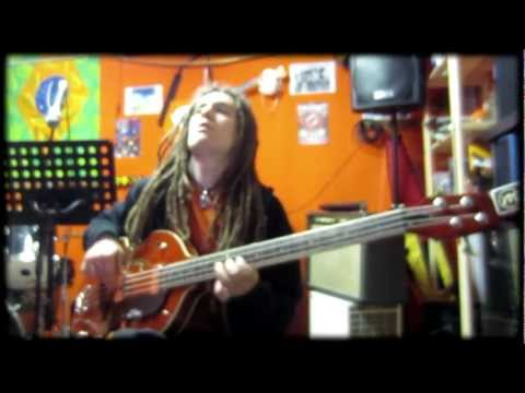 Eko bass -