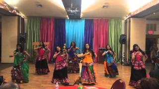 Bollywood Garba & Raas Daandiya by Mayur Dance Team (TOI 2015)
