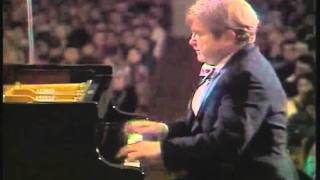 Gilels plays Rachmaninoff Prelude Op. 23 No. 5.flv (audio sync corrected)