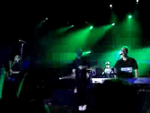 Love is a Shield ( Live ) - Camouflage