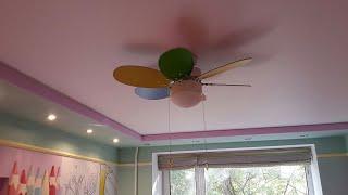 Установка матовых розовых натяжных потолков