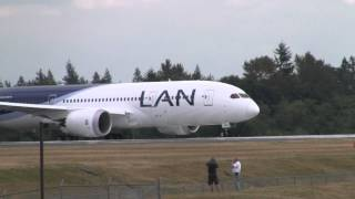 LAN 787 Takeoff and Landing