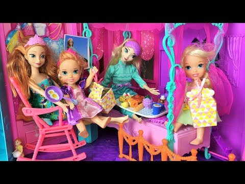 Anna and Elsa Toddlers Mothers Day! Surprises Breakfast in Bed! Barbie -Mal - Jessica - Toys & Dolls