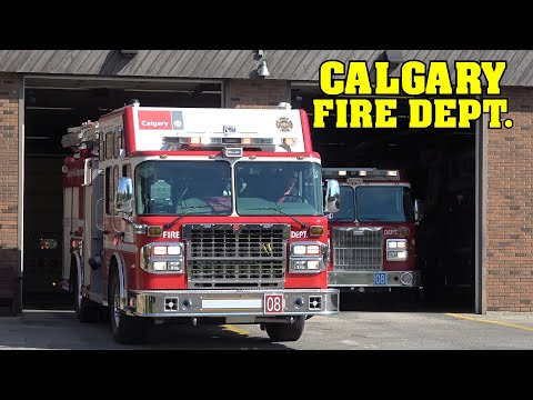 [TRAFFIC ACCIDENT] - CALGARY FIRE Engine 8 + Rescue 8 & 3x Calgary Police responding lights & siren