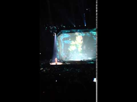 Adele forgot the words Manchester.