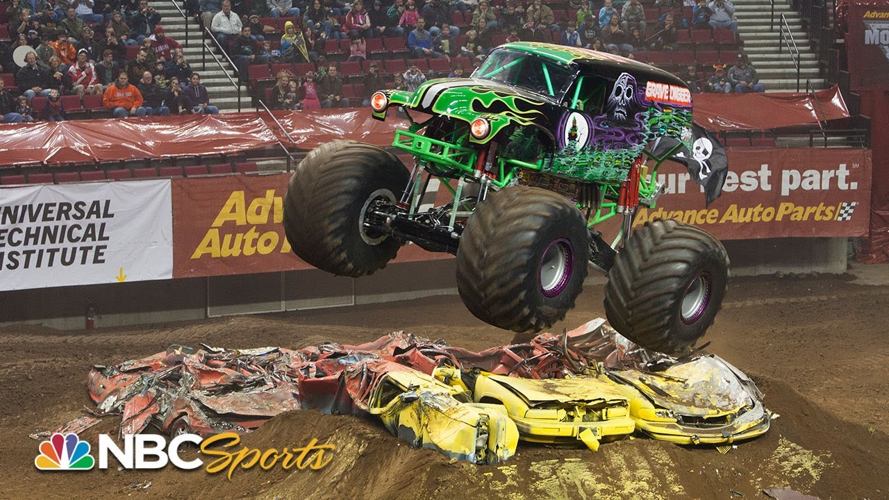 Grave Digger's best Monster Jam freestyle moments from 2019-2020   Motorsports on NBC