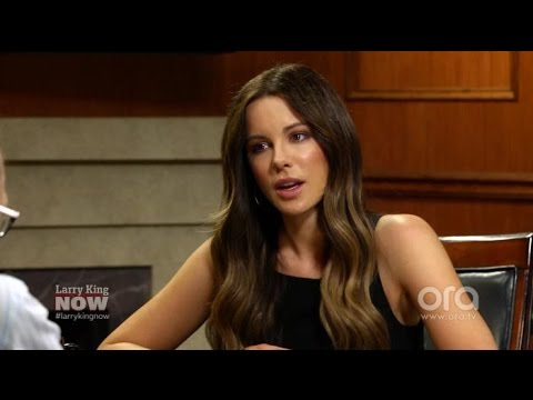 Kate Beckinsale: people resent when women earn the most on film sets | Larry King Now | Ora.TV