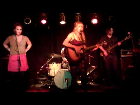zoe sundra at arlene's grocery