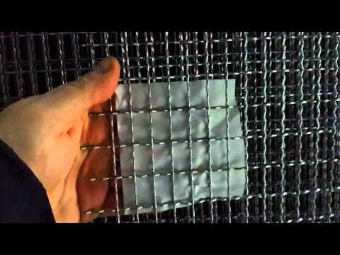 Сетка для клеток, но не сварная, а канилированная.