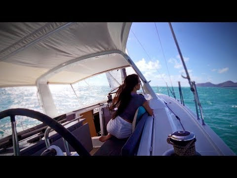 Sailing Whitsundays. Testing our future boat. And we met Riley from La Vagabond!