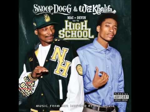 Snoop Dogg & Wiz Khalifa - Young, Wild and Free feat Bruno Mars (lyrics)