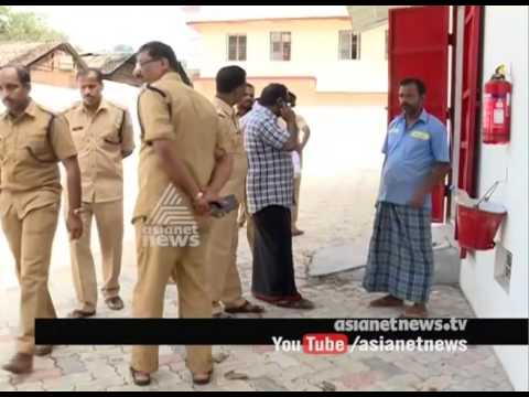Police started to catch Unofficial employees from Sabarimala | Sabarimala 2016