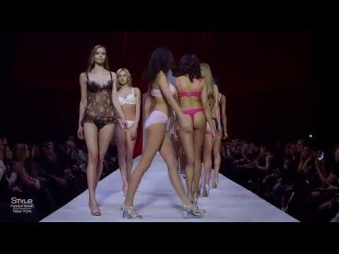 Sexiest Girls In The World! from YouTube · Duration:  39 seconds