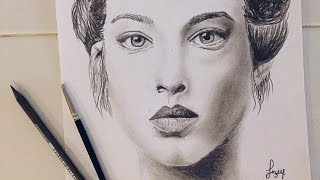 �������� ���� Charcoal portrait drawing. Charcoal face. | Liz Webster ������