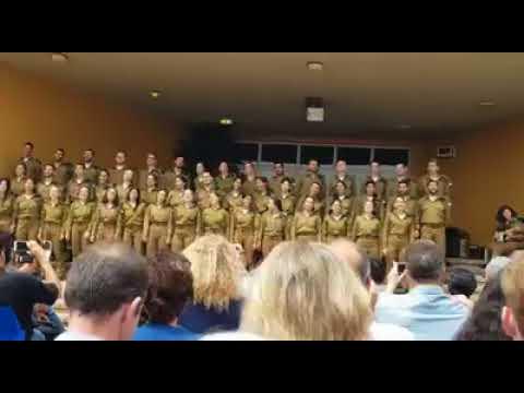 Israeli Soldiers sing the Persian nostalgic love song Soltaneh Galbhah.