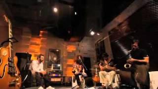 Elif Çağlar - Killing Me Softly [Roberta Flack Cover] / #akustikhane #sesiniac
