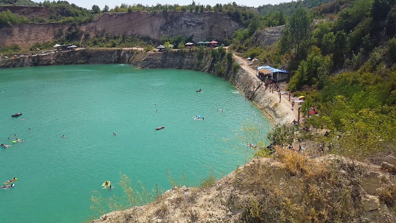 Jezero Besenovo-beli kamen *Fruska Gora* | TravelerBase ...