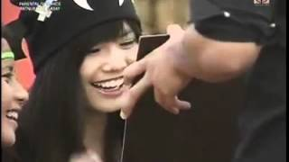 Yves to Myrtle: Can u be my date?