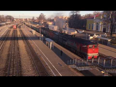 2ТЭ10У-0431 и 2ТЭ10У-0300 с грузовым поездом на станции Узловая-l