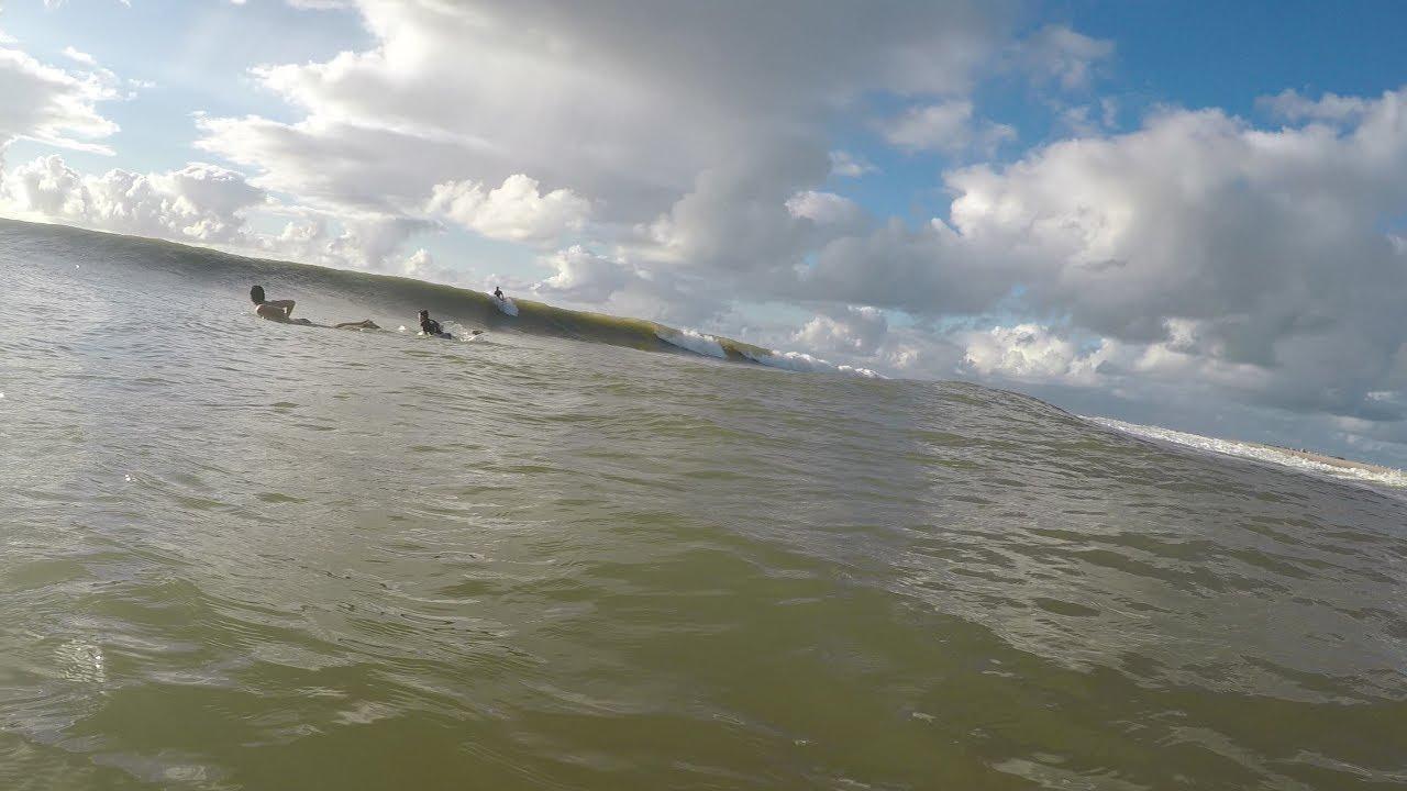 Surf no Farolzinho de Aracaju - Imagens de Drone Rockvolume.com