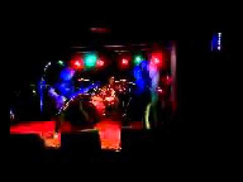 THE MENACE-LIVE. BENDIGO MUSIC MAN MEGASTORE 16/10/15