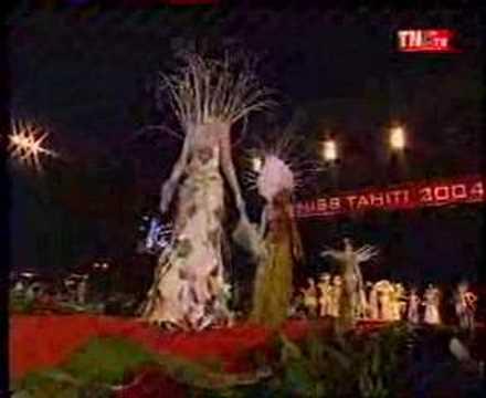 Miss TAHITI 2004 in Vegetable gown en Tenue Végétale 1