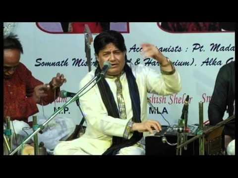Anup Jalota live with Pandit Santosh Mishra on Tabla.