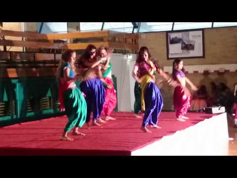 """Lovely"" dance by Swedish girls in copenhagen"