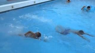 水好きな息子たち。学校では期待の星らしい。