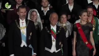 Reis de Espanha aplaudidos à chegada a Guimarães