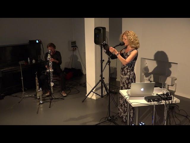 Franziska Baumann und Udo Schindler im Theater hochX  - 4.Sequenz
