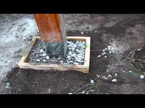 Вопрос: Как установить (поставить) деревянный столб для забора?
