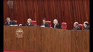 Os ministros do TSE aprovaram com ressalvas a prestação de contas de 2012 do Partido Socialista Brasileiro. O plenário também decidiu manter a multa ...