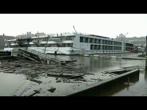 Восемь человек погибли в Испании и Португалии в результате сильнейшего шторма.