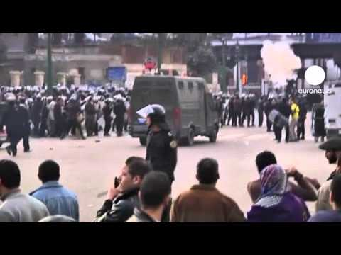 Thousands defy Egypt protest ban