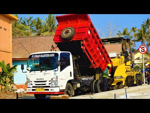 Underpass Road Asphalt Paving Work By Sumitomo HA60C Dump Trucks Tandem Roller