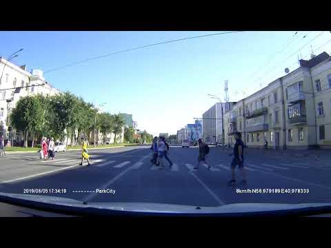 В Иванове автобус едва не сбил ребенка