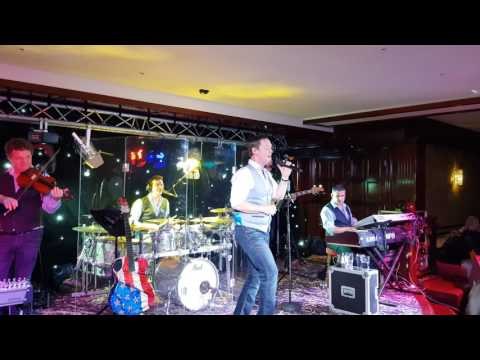 Robert Mizzell performing live on Sunday 11th June 2017