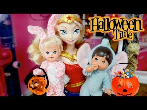 Videos de Halloween Para  Niños - Historias Infantiles con Muñecas Barbie y Juguetes