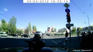 Эвакуатор на красный!(, 2012-05-03T15:04:11.000Z)