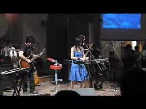cold fairyland - live from moganshan lu