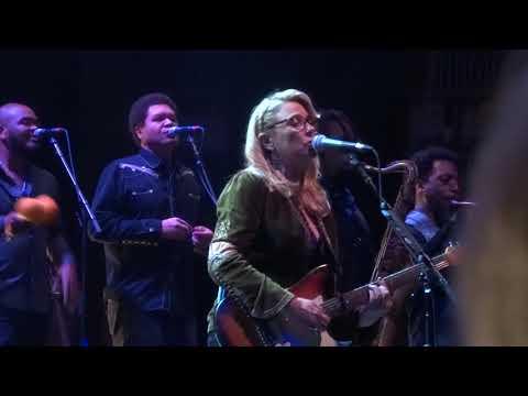 Darling Be Home Soon - Tedeschi Trucks Band October 13, 2017