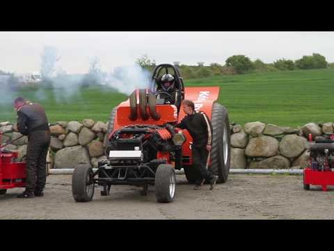 Rå traktorpulling på Bryne