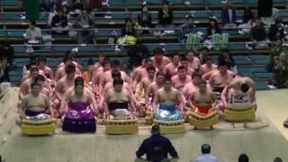 慣れない蹲踞で足をプルプルさせる初々しい力士達の新序二番出世披露/2017.3.20/day9 #sumo 蹲踞の姿勢とは 検索動画 25