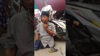 Video Pengamen cacat bersuara emas - perjuangan dan doa download MP3, 3GP, MP4, WEBM, AVI, FLV Juni 2018
